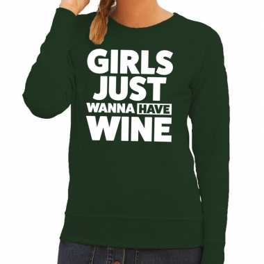 Girls just wanna have wine tekst sweater groen dames
