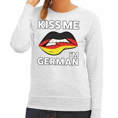 Kiss me i am german sweater grijs dames