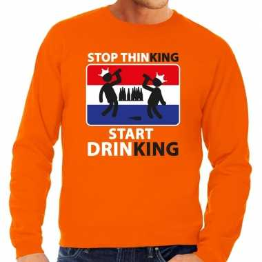 Oranje stop thinking start drinking sweater heren